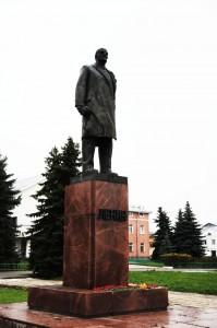 Памятник Ленину в городе Суздаль